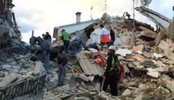 """이탈리아 6.2 지진으로 최소 6명 사망…""""마을 절반이 사라졌다"""""""