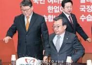 """탄핵 찬성파 친박으로 확산 """"어제 하루만 20여 명 가세"""""""