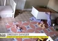 쌍둥이 형제를 기적적으로 구해낸 2살 아기