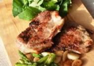"""[장진영 기자의 패킹쿠킹] (25) """"요리를 합시다"""" - 있어빌리티, 돼지고기 스테이크"""