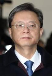 """특검 출석한 우병우, 여전히 """"최순실 모른다"""""""
