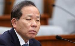 이유정 재판관에 방 내주면…김이수 헌재소장 대행은 어디로?