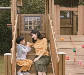 창간 30주년 '행복이가득한집' ···배우 <!HS>이영애<!HE> 가족 화보 공개