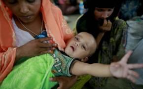미얀마 로힝야족 '인종청소'의 비극 … 탈출하던 배 뒤집혀