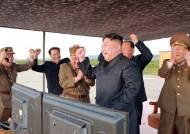 """北, '화성-12' 전력화 선언…김정은 """"美 집권자 입에서 함부로 잡소리 못 나오게 할 것"""""""