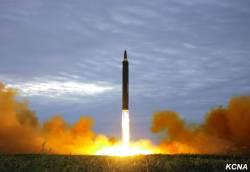 """""""<!HS>일본<!HE>, 3개월이면 '<!HS>원자<!HE><!HS>폭탄<!HE>' 만들 수 있다"""""""