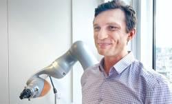 [<!HS>미래직업<!HE> <!HS>리포트<!HE>] 암 수술하는 'AI 외과의사' 10년 안에 나온다