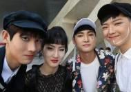 [서소문 사진관] 패션쇼 주인공은 바로 나! 패피들의 튀는 의상들...