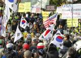 양 진영간 싸움터 전락한 박정희 <!HS>대통령<!HE> 100돌 행사