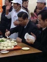 [예영준의 차이 나는 차이나] '시 황제'의 오른팔 딩쉐샹 … 2013년 '만두집 민행' 연출자