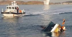 여수서 136명 탄 <!HS>여객선<!HE>, 어선과 충돌…어선 <!HS>침몰<!HE> 2명 부상