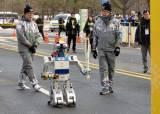 평창올림픽, 세계 최초로 <!HS>로봇<!HE> 성화 봉송