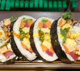 [이택희의 <!HS>맛따라기<!HE>] 크기·맛 '깜놀' 호화 김밥…맛집 블로그 1세대의 일식집 '나스'