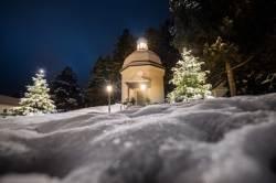 [세상 속으로] 눈 맞는 이 작은 성당이 1차대전 '크리스마스의 기적'