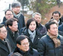 [사진] 김근태 추모제에 온 임종석·손학규