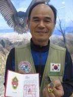 몽골 정부 훈장 받은 '독수리 아빠'