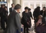 대통령·외교수장 한날 동시에 위안부합의 파기 가능성 시사