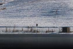 [서소문사진관] 물고기 잡고, 자전거 타고 북한 평안도 삭주군 주민들의 일상