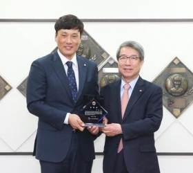<!HS>이승엽<!HE> 은퇴 뒤 첫 행보, KBO 홍보대사