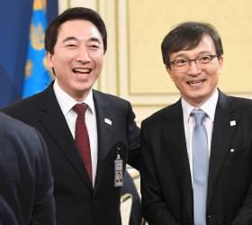 靑참모 박수현·문대림·오중기, 지방<!HS>선거<!HE> 출마 위해 오늘 청와대 <!HS>나<!HE>와