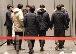 '뇌물 사건'으로 판 바꾼 검찰…MB 형사처벌 직접 겨눈다