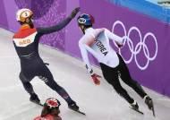 임효준 머리 두드려 축하한 네덜란드 선수, 안현수에겐 손가락 욕설