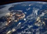 미국 정부, 돈 안 되는 우주정거장 사업에서 손 뗀다