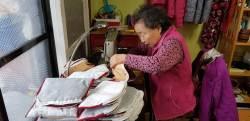 14년째 직접 만든 주머니 기증하는 '기부천사' 할머니