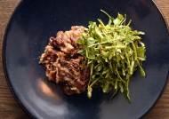 [라이프 스타일] 차돌박이엔 돌미나리, 참소라엔 더덕 … 입맛 돋는 음식 궁합
