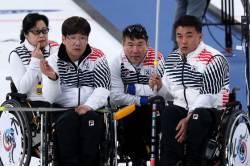 휠체어 컬링 '오벤저스' 4강서 노르웨이에 패…동메달 도전