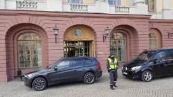 북 이용호, 스웨덴 외무와 사흘 회담 … 억류 미국인 석방 논의