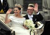 [알쓸로얄] 트레이너와 결혼한 스웨덴 공주, '육아 휴직'도 부부가 반반
