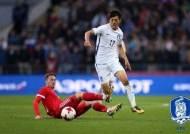 이청용, 벨파스트 찾아 한국축구대표팀 응원