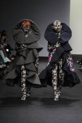 [<!HS>style_this<!HE> <!HS>week<!HE>] 치마 입은 남자, '미투' 셔츠 입은 여자