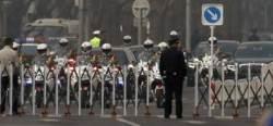 [서소문사진관] 김정은 탄 벤츠리무진 베이징서 포착