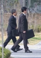 검찰 조사팀, 동부구치소로 출발…MB '옥중조사' 재시도
