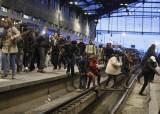 프랑스 철도노조 석달 파업 돌입…마크롱과 '최후의 대결'