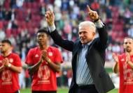 '73세 할아버지 감독' 하인케스, SOS 받고 뮌헨 6연패 이끌었다