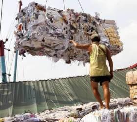 전세계 쓰레기통 닫은 중국, 시작은 영화 '소료왕국' 쇼크
