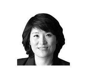 [분수대] 여권에 김영란법이란