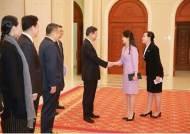존재감 높이는 北 권력 여성 '투 톱' 이설주-김여정