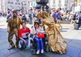 """[여행자의 취향] 유럽 누빈 장애인 부부 """"사람에 감동했다"""""""