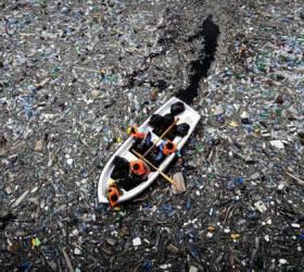 [<!HS>알쓸신세<!HE>] 치명적 '미세 플라스틱' 공포···韓 면적 15배 쓰레기 섬