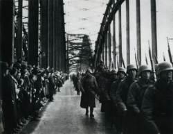 """""""미안하다, 실수였다"""" 히틀러에 온 유럽 전전긍긍한 사정"""