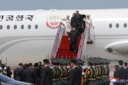 북 김정은, 싱가포르 어떻게 날아갈까…한국 영공 통과도 관심사