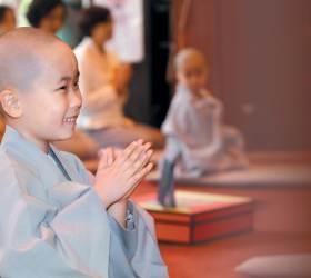 [부처님오신날] 평화와 행복은 내면에서부터··· 부처님의 지혜를 등불로 삼자