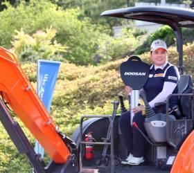 '한국 대회 첫 우승' <!HS>박인비<!HE>, 5주 연속 여자 골프 세계 1위
