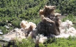 [서소문사진관]사진으로 본 풍계리 <!HS>핵실험<!HE>장 폭파장면