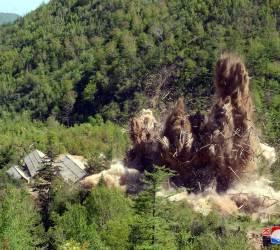 [사진] <!HS>북한<!HE> 풍계리 <!HS>핵실험<!HE>장 폐기 장면 일부 공개