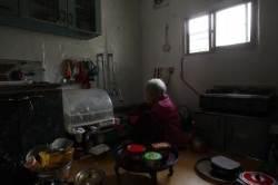 노인 돌보는 장기요양 늘리고, 요양병원 '사회적 입원' 줄인다